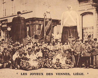 Belgian-Carnival-group-with-giant-puppets.jpg