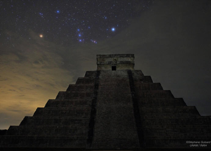 Orion-over-El-Castillo_at-Chichen-Tiza_on-21DEC-2012.jpg