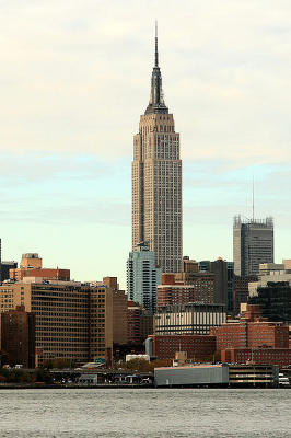 Empire-state-building_from-Brooklyn.jpg